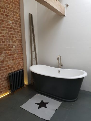 Cast Iron Bath.co.uk bath at Vintage Barn Interiors
