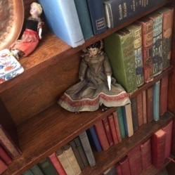 Books styled by Tanya Bowd for BBC1's Howards End series. Charis White interiors blog
