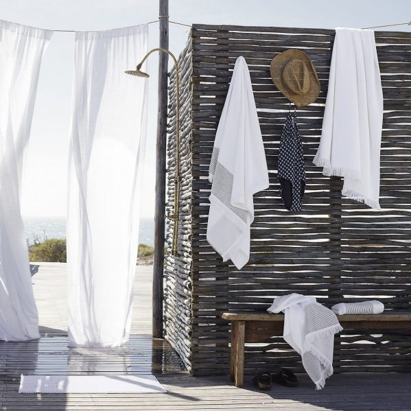 Salcombe towels, The White Company outdoor shower shot. Charis White blog