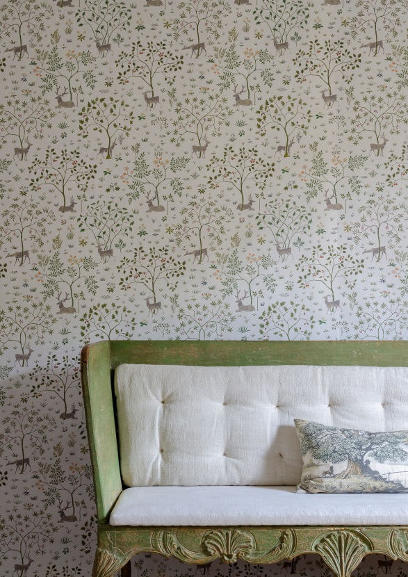 Voysey Park Wallpaper in Verdure (cushion)- Voysey Collecton SS18[24061]