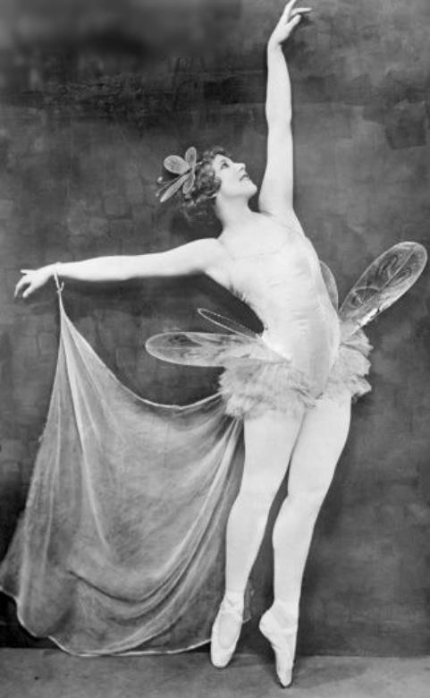 Unknown photographer/Pinterest early 20th Century fairy on Charis White Interiors blog Christmas Gift Gude 2018