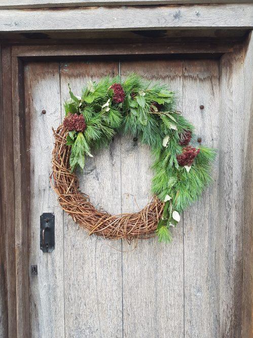 Christmas wreath at The Little Christmas Fair 2018 on Charis White Interiors blog on wreaths